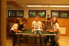 Bei Regen: Drinnenprogramm in den Zeltgruppen
